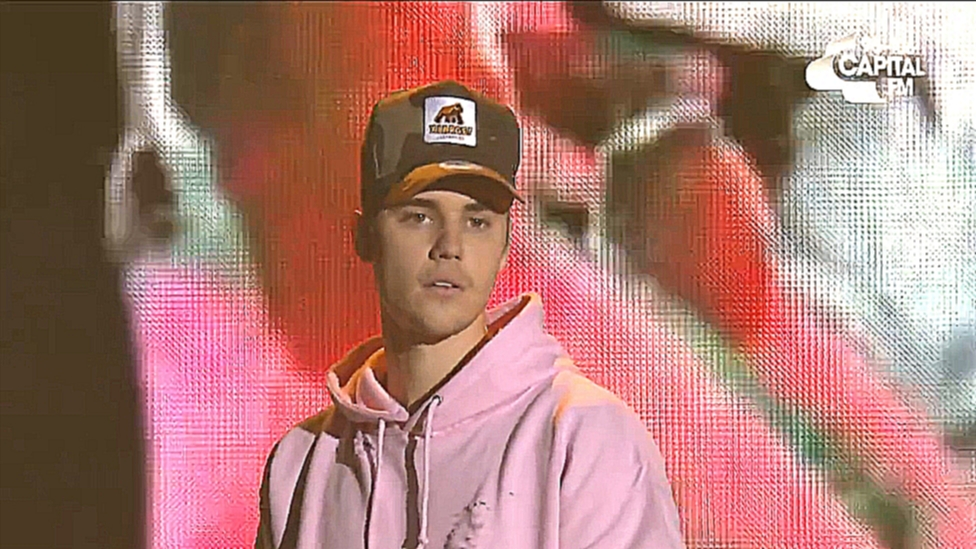 Видеоклип Justin Bieber - 'Where Are You Now' (Live At The Jingle Bell Ball 2015)